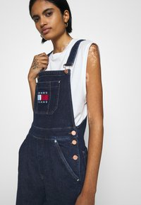 Tommy Jeans - DUNGAREE - Dungarees - oslo dark blue com - 5