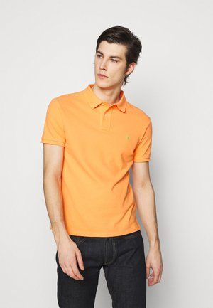 SLIM FIT MODEL - Polo shirt - classic peach