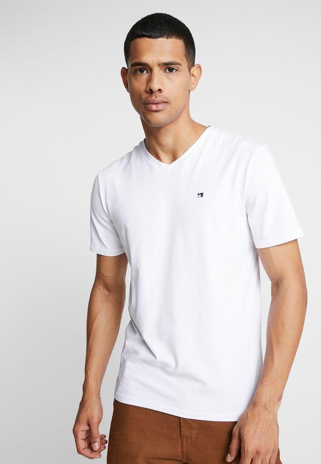 V-NECK TEE - Basic T-shirt - white