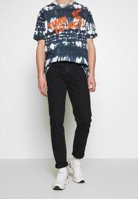 Vivienne Westwood Anglomania - CLASSIC - Jeans slim fit - dark blue denim - 0