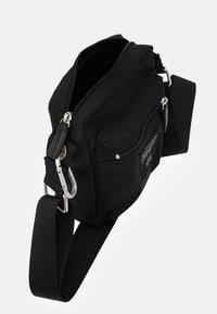 Marimekko - CASH CARRY BAG - Torba na ramię - black - 2