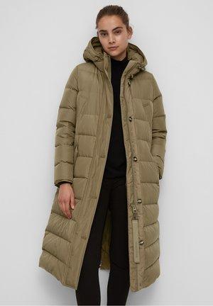 Down coat - nutshell brown