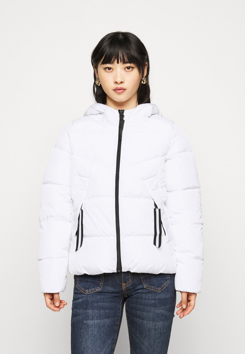 ONLY Petite - ONLMONICA PLAIN JACKET  - Lehká bunda - bright white