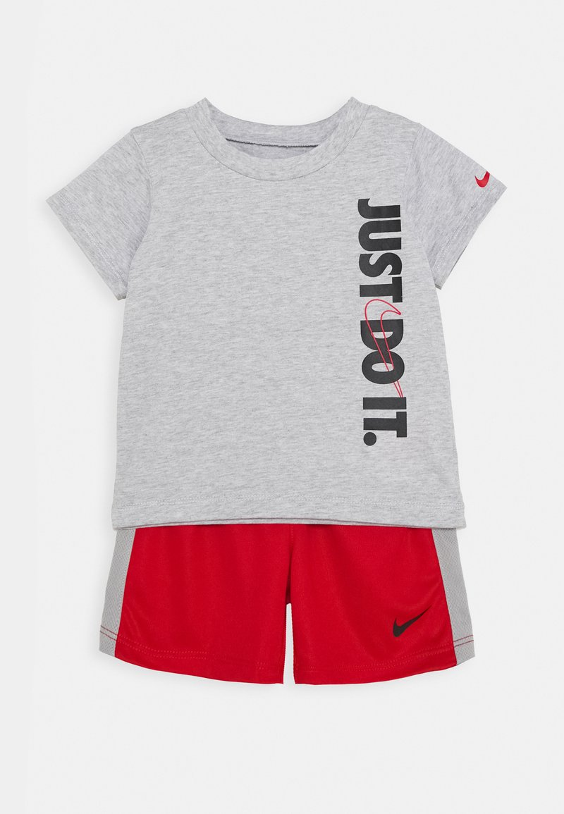 Nike Sportswear - SET BABY - Short - university red