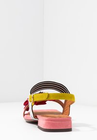 Chie Mihara - TIDA - Sandals - cherry/rojo/curry - 5