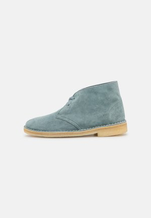DESERT BOOT - Lace-up ankle boots - ocean blue