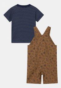 Carter's - SHORTALL TAN SET - Print T-shirt - beige - 1