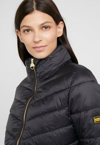 Barbour International - DUAL QUILT - Light jacket - black - 5