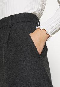 Hope - ALTA TROUSERS - Trousers - grey melange - 4