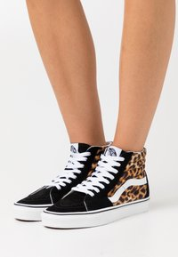 Vans - SK8 - High-top trainers - black/true white - 0