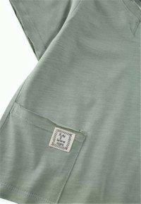 Cigit - Basic T-shirt - metallic green - 2