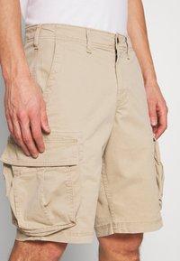 GAP - STRETCH - Shorts - iconic khaki - 3
