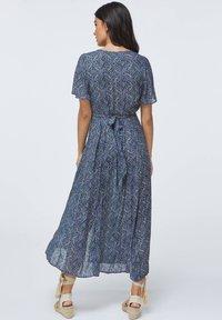 OYSHO - LONG LILAC FLORAL - Korte jurk - dark blue - 2