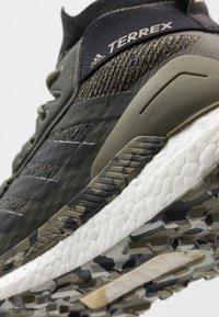 adidas Performance - TERREX FREE HIKER - Zapatillas de senderismo - raw khaki/core black - 5
