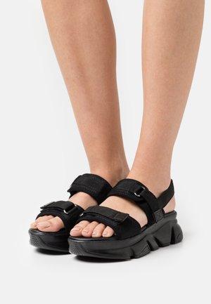 SIYAH - Sandalias con plataforma - black