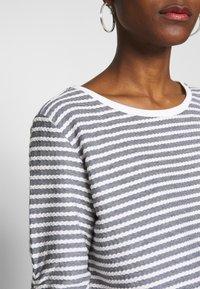 TOM TAILOR DENIM - STRIPED - Sweatshirt - white - 4