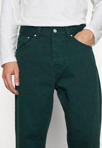 Carhartt WIP - NEWEL PANT ALTOONA - Broek - dark green - 5