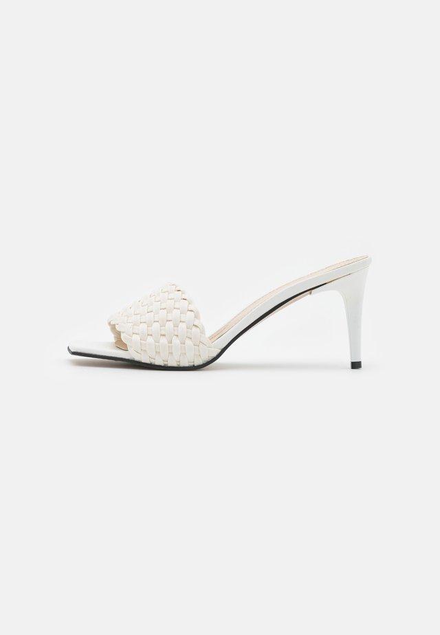 SOMON - Slip-ins med klack - white