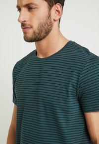edc by Esprit - CORE - Print T-shirt - teal blue - 4