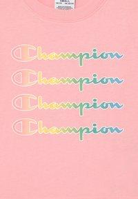 Champion - COLOR LOGO CREWNECK - Triko spotiskem - pink - 2