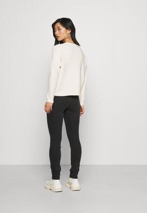 ONLKATIA LOOSE - Jumper - whitecap gray