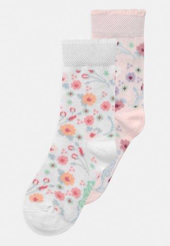 BLÜMCHEN 2 PACK - Socks - weiß/rose