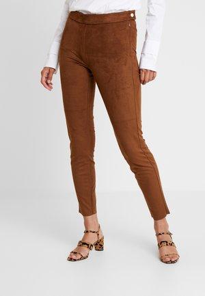 Pantalon classique - winter hazelnut