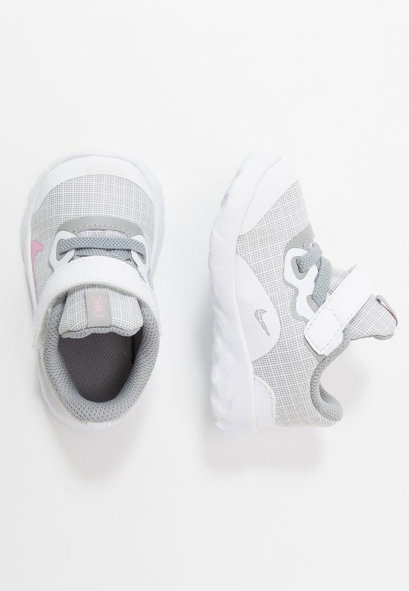Nike Sportswear - EXPLORE STRADA - Trainers - white/pink/light smoke grey