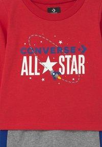 Converse - SET UNISEX - Tepláková souprava - enamel red - 3