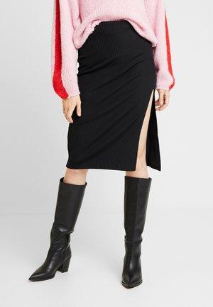 SLIT SKIRT - Pouzdrová sukně - black