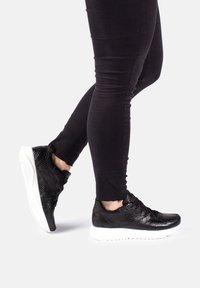 Woden - SOPHIE SNAKE - Sneakers - black - 0