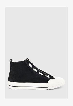 ASTICO MZIP - Sneakersy niskie - black