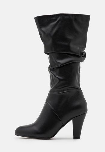 WYNN - Vysoká obuv - black