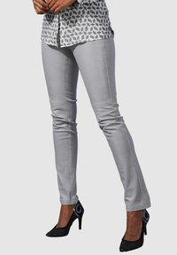 Alba Moda - Leather trousers - hellgrau - 4