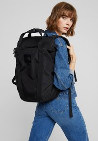 The North Face - INSTIGATOR - Rucksack - black - 6