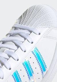 adidas Originals - SUPERSTAR - Baskets basses - ftwwht goldmt cblack - 10