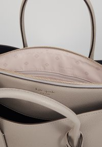 kate spade new york - MARGAUX LARGE SATCHEL - Sac bandoulière - true taupe - 5