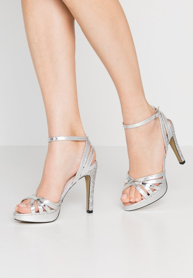 High heeled sandals - mivi plata/espejo plata