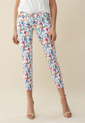 CAPRI - Trousers - weiß_0001