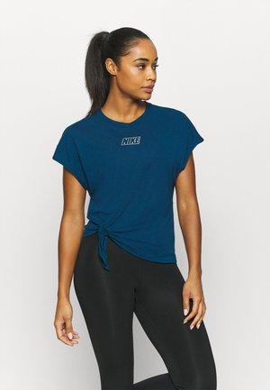 DRY TIE - Print T-shirt - valerian blue/metalic cool grey