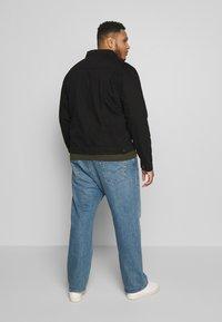 Another Influence - SLIM FIT JACKET - Denim jacket - black - 2