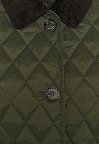 Barbour - OMBERLSEY QUILT - Lehká bunda - olive - 2