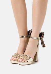 Liu Jo Jeans - HEBE - Platform sandals - light gold - 0