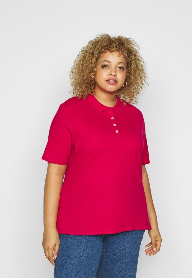 ESSENTIAL - Polo shirt - ruby jewel