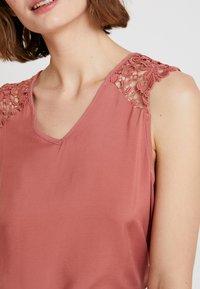 Vero Moda - VMDEPO V NECK INSERT - Bluse - withered rose - 5