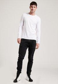 Phyne - T-shirt à manches longues - white - 1