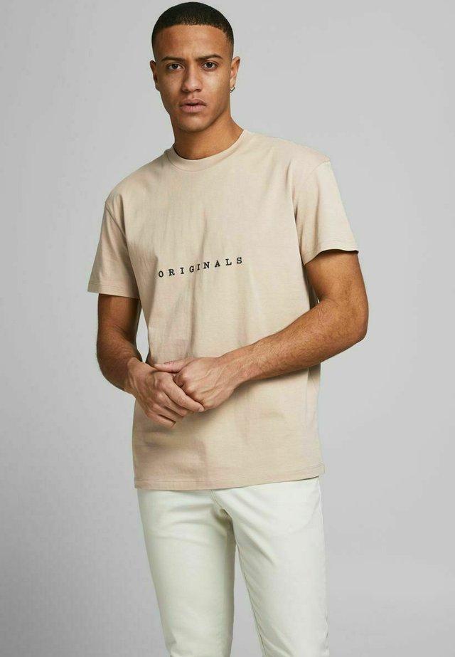 Camiseta estampada - crockery