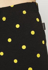 Colourful Rebel - DOTS BASIC FLARE PANTS WOMEN - Leggings - black - 5