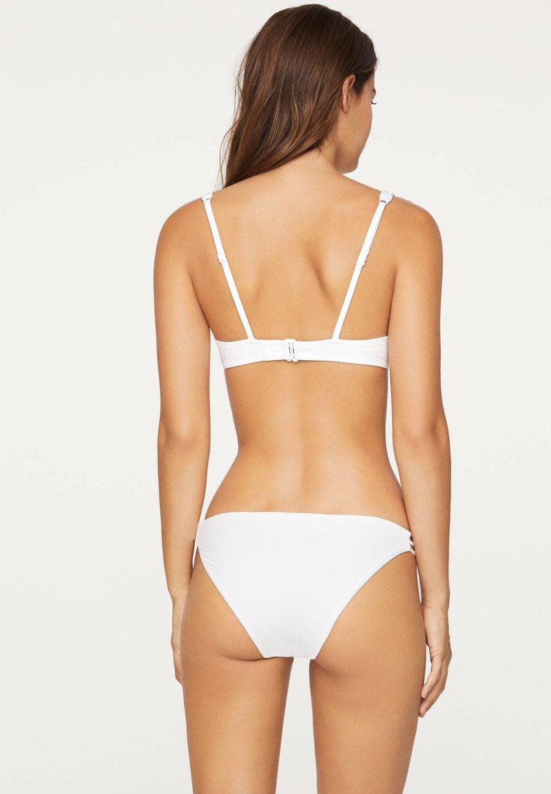 OYSHO Bikini-Top - white/weiß 4jko5m