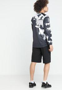 Dakine - DROPOUT SHORT - Sports shorts - black - 2